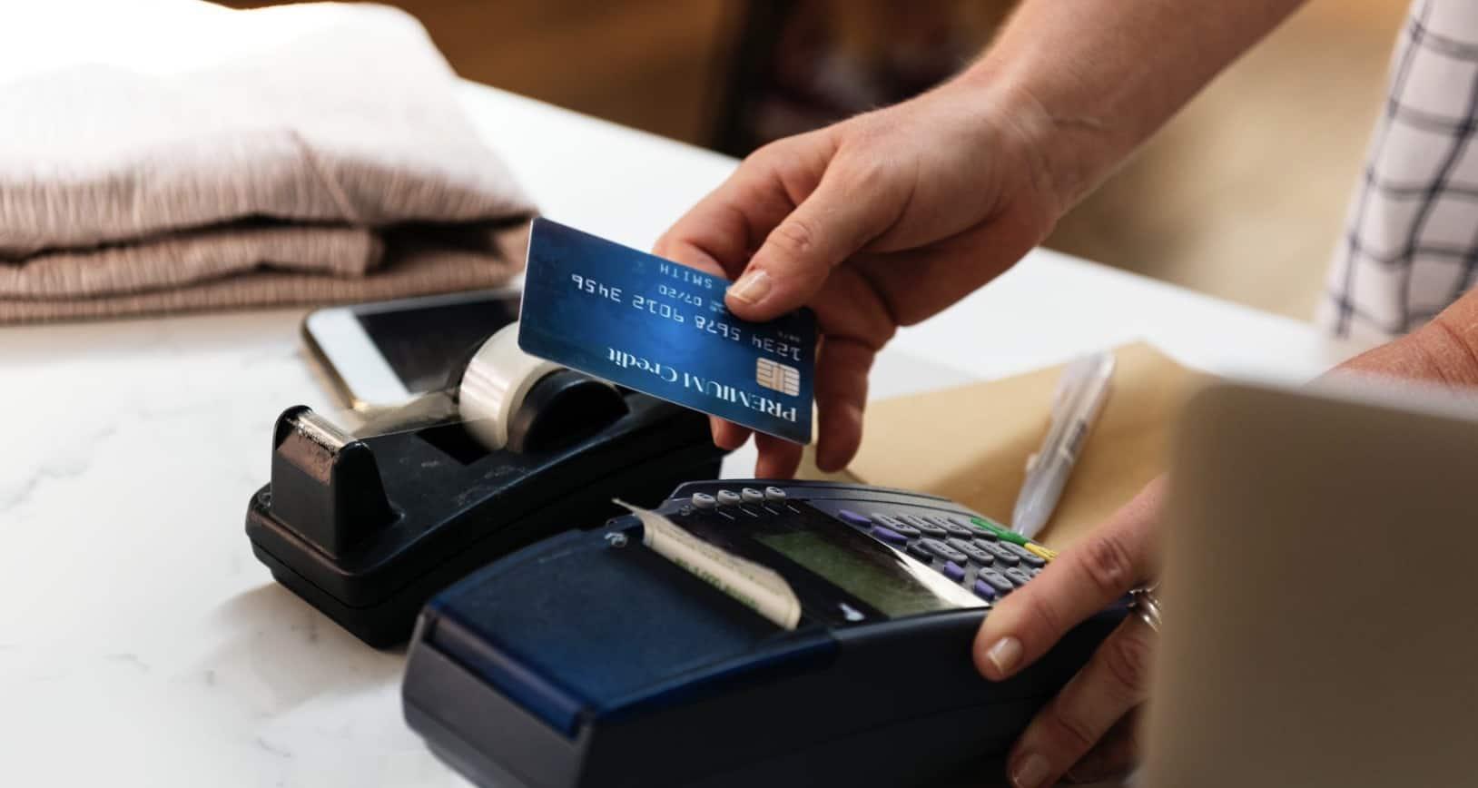 Płacenie kartą u bukmachera online