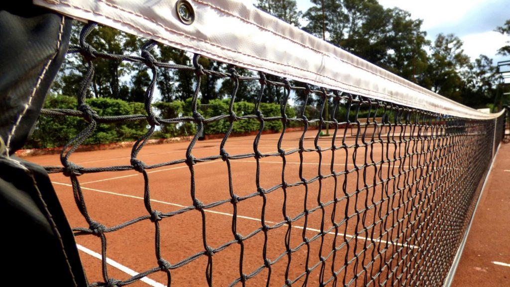 Taruhan dan pensiun di tenis